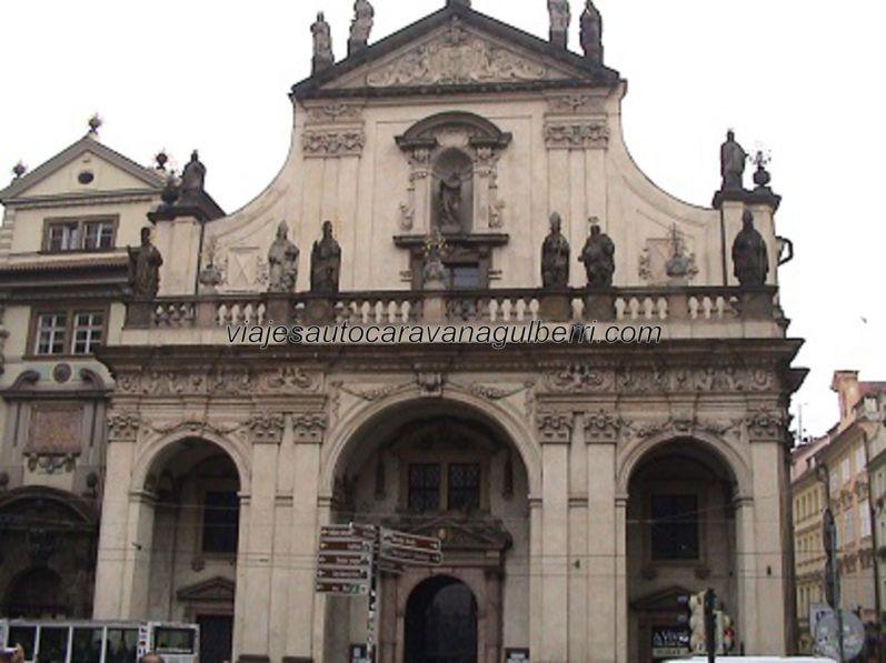 fachada Klementinum