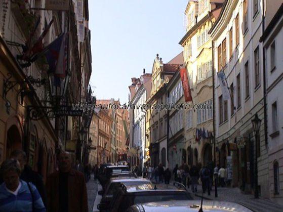 calle Nerudova, subiendo hacia el Castillo Praga