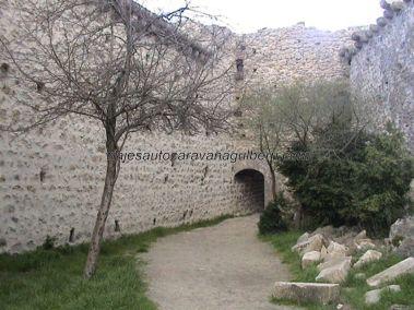 interior fortaleza Peyrepertuse