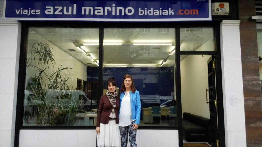 Nueva oficina de viajes azul marino en vitoria azul for Oficina zona azul ibiza