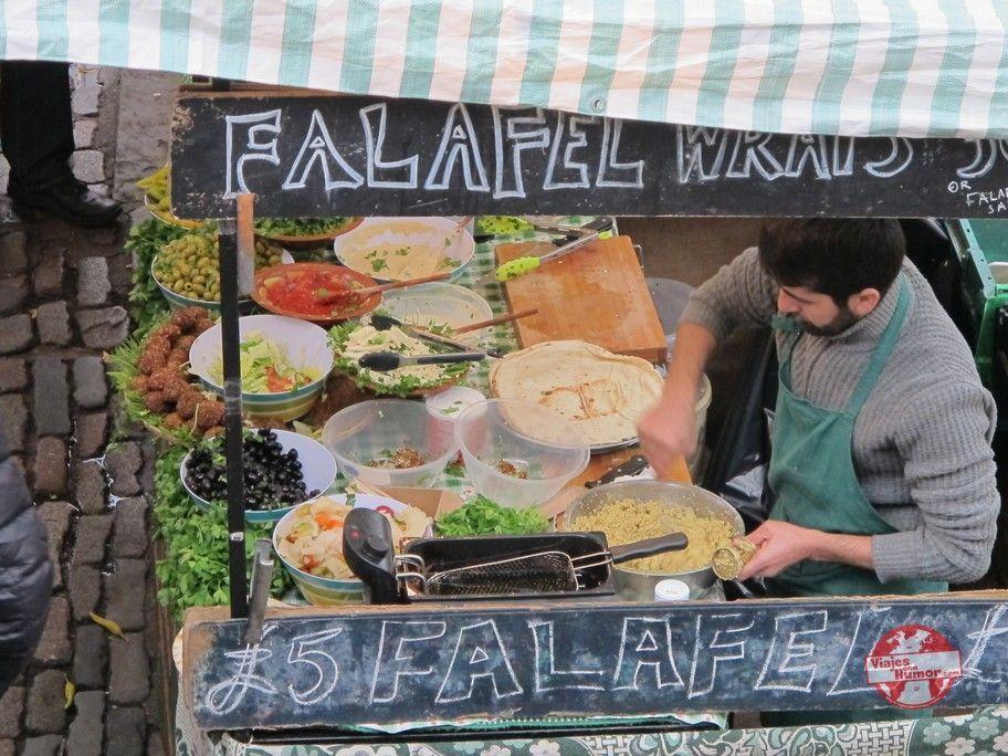 puestos de comida en camden town