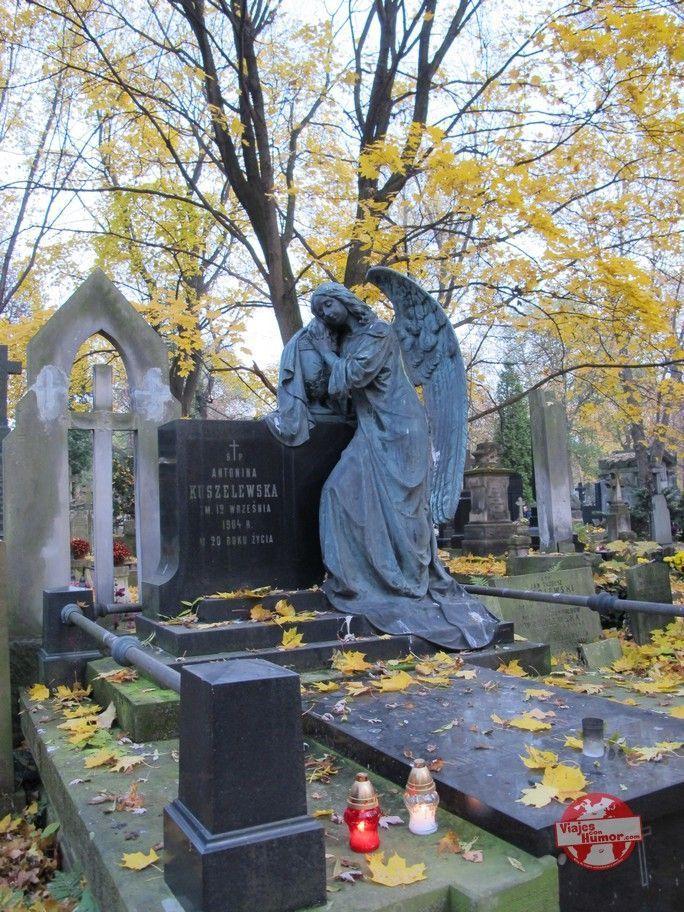 cementerio powazki esculturas