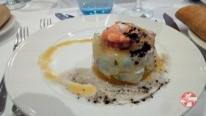 ensalada de salmon y langostino