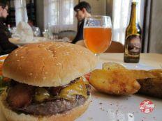 hamburguesa de buey restaurante mulhacen
