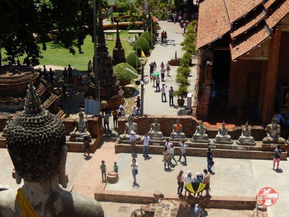 vistas wat Yai Chai Mang Khon