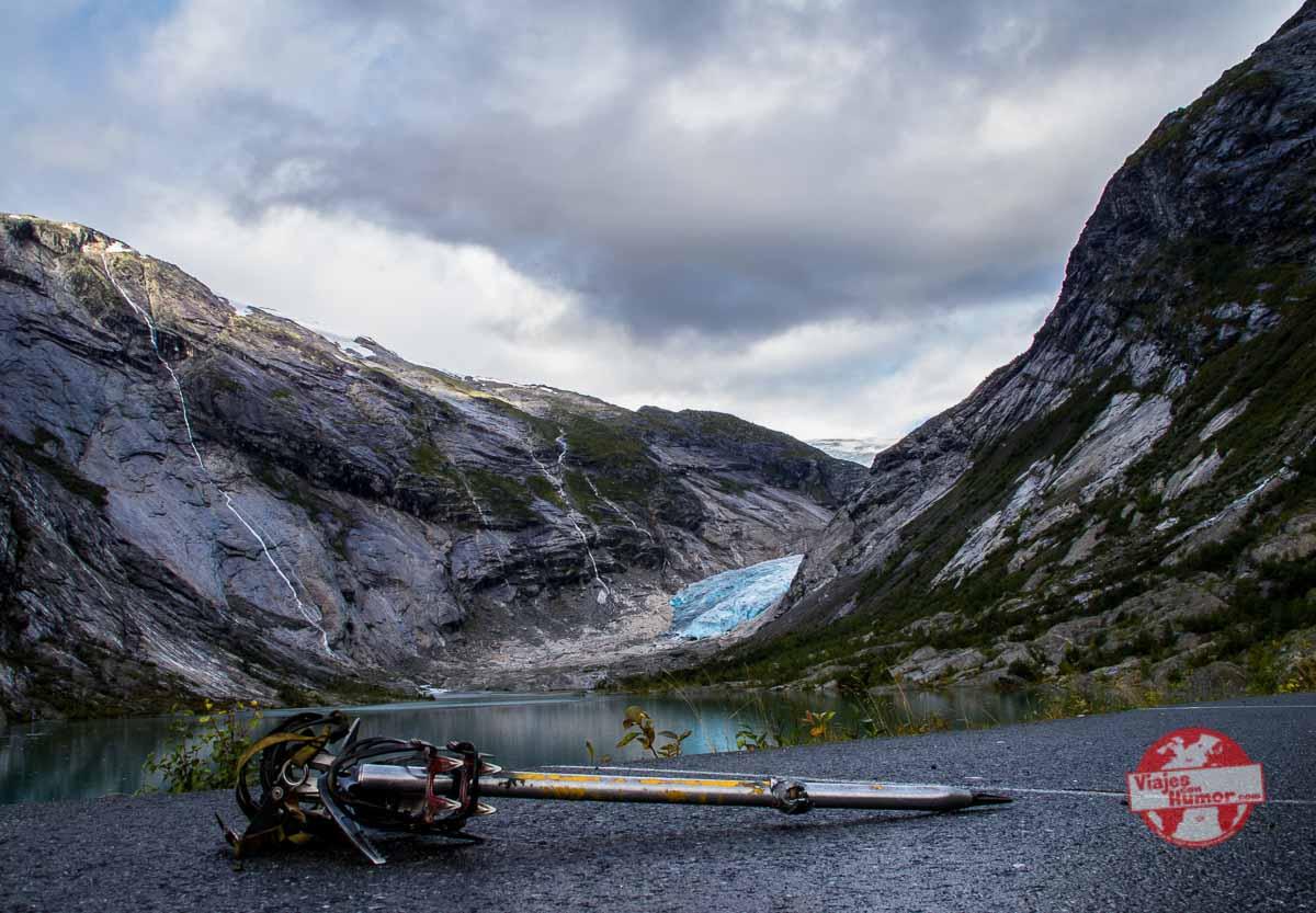 ruta por un glaciar