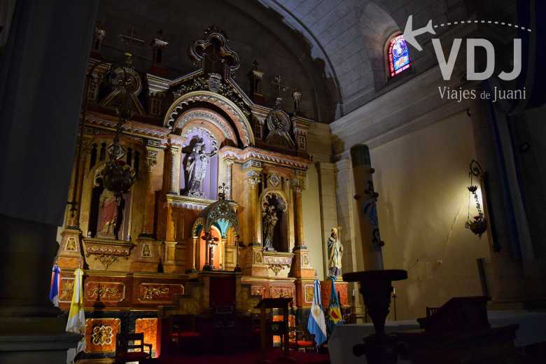 interior iglesia carmen de areco