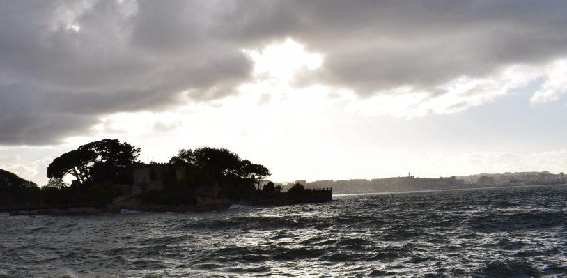 Castillo de Sta. Cruz (A Coruña). 5 de los castillos más impresionantes y bonitos de España.