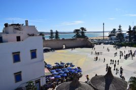 Vista de Place Mulaiy Hassan desde Taros Café Restaurante. Essaouira (Marruecos)