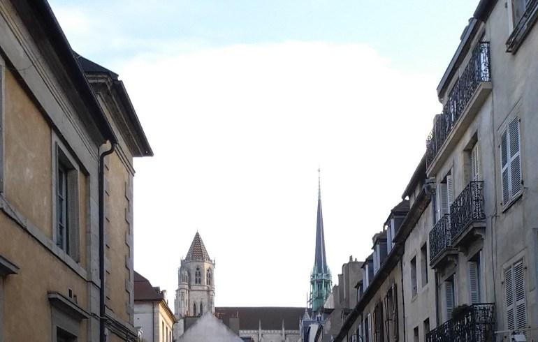 Vistas de la Catedral de St. Benigne. Dijon (Francia)