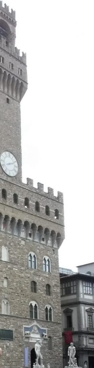 Palazzo della Signoria, el David de Miguel Angel, delante de sus puertas. Florencia (Italia)