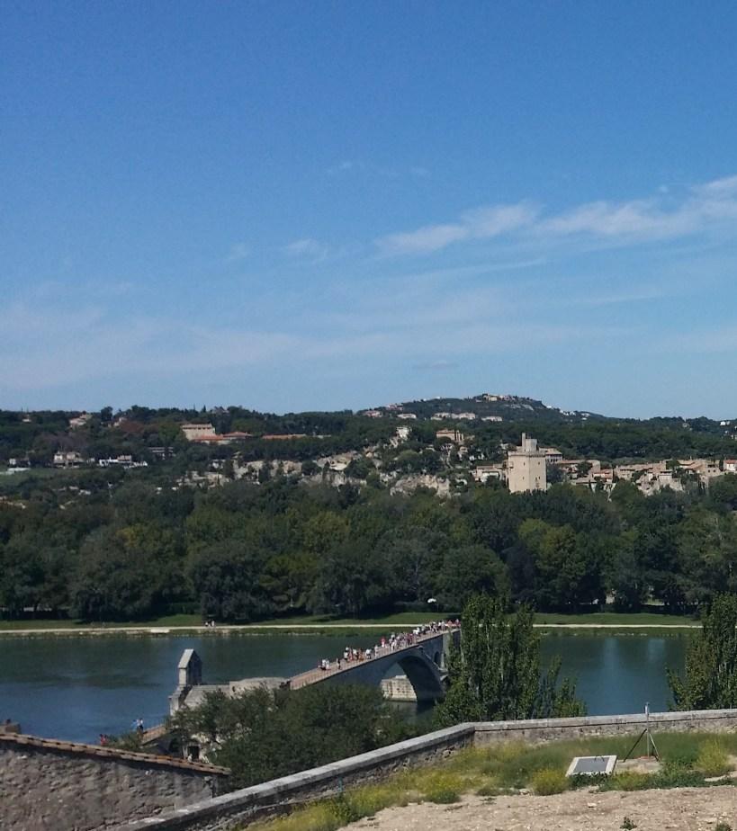 Vistas del Ródano y el Pont St. Benézet. Avignon (Francia)