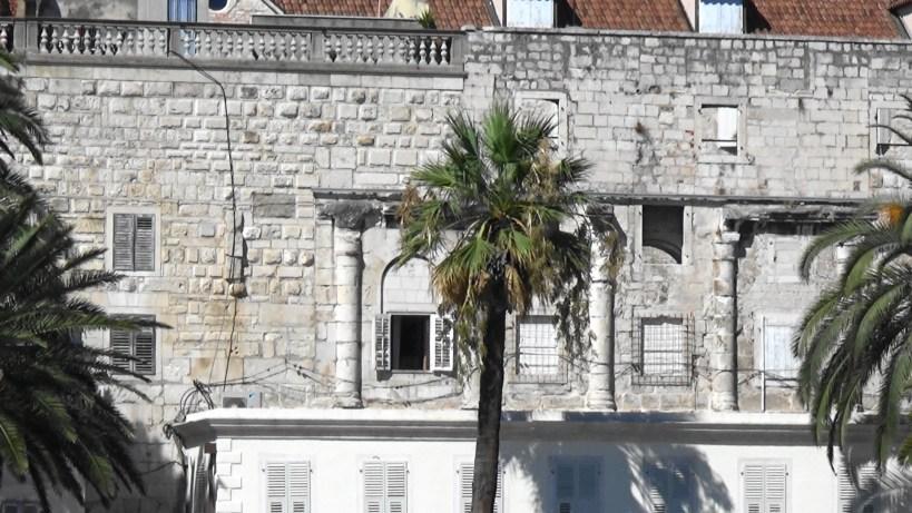 Viviendas enclavadas dentro del Palacio de Diocleciano. Split (Croacia)