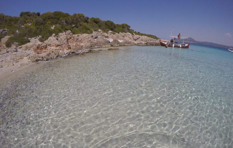 Playa de Ammos en la Isla de Sapientza, frente a Methoni (Grecia)