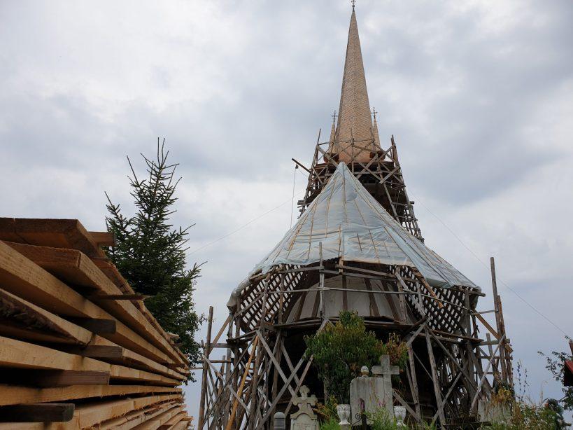 Iglesia de madera de Plopis, Maramures (Rumanía)
