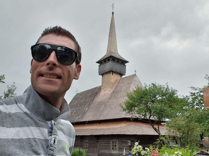 Iglesia de madera de Budesti, Maramures (Rumanía)