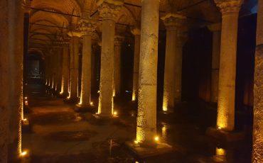 LA  CISTERNA BASÍLICA , EL PALACIO SUMERGIDO DE ESTAMBUL (TURQUÍA)