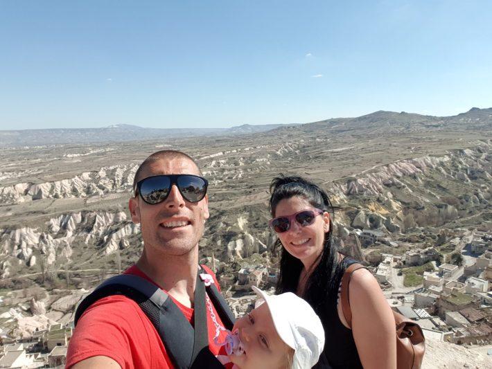 En lo alto de Uçhisar, Capadocia (Turquía)