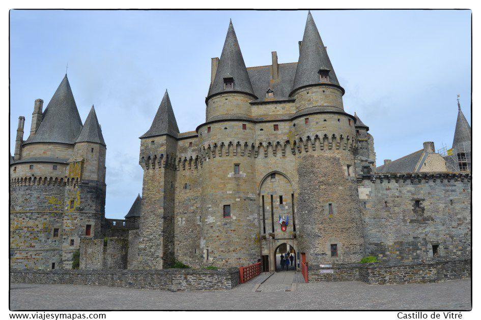Día 2 : Vitré - Castillo de Fougeres - Playas Normandía