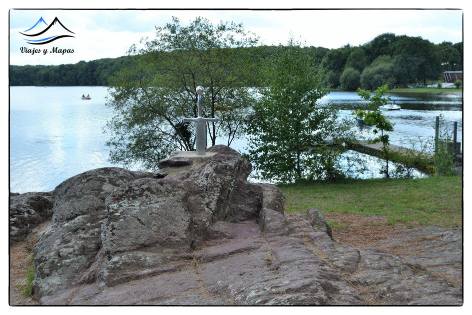 espada en la roca