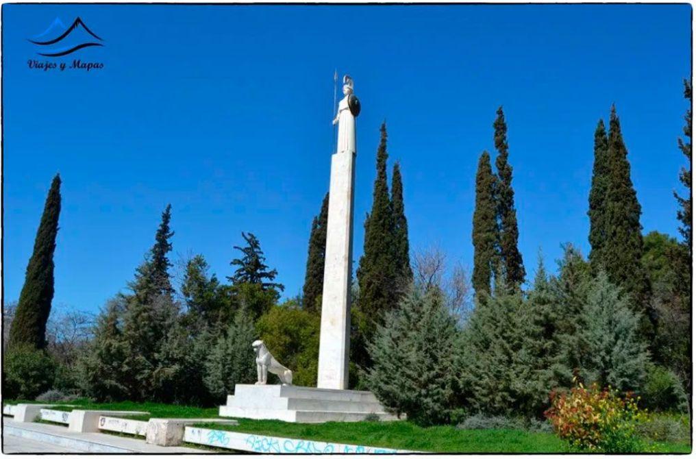 estatua-de-atenea-en-atenas