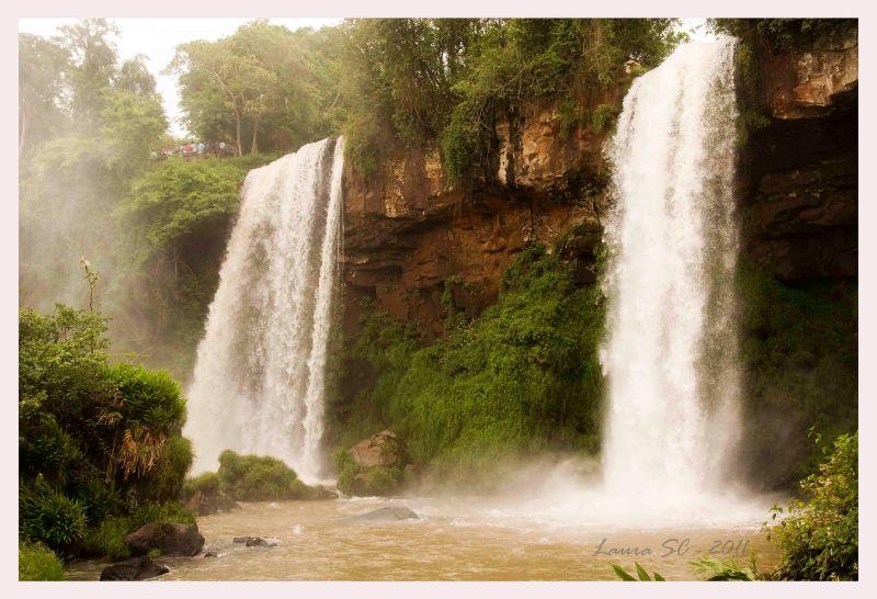 Salto Dos Hermanas en Cataratas del Iguazú