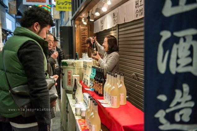 Vendiendo sake