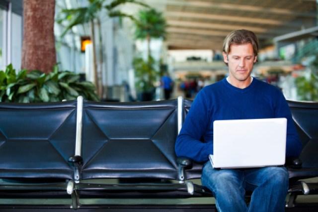 Aeropuerto internet hombre