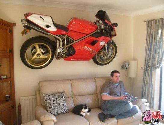 Solucionando problemas de espacio para aparcar la moto