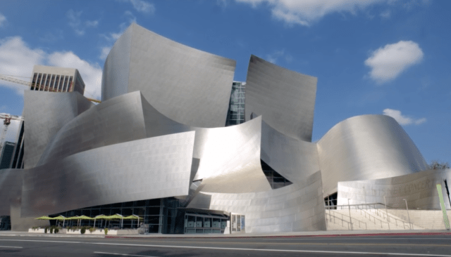 O belíssimo edifício do Walt Disney Concert Hall