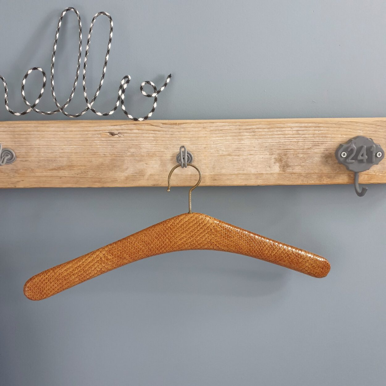 vintage kledinghanger