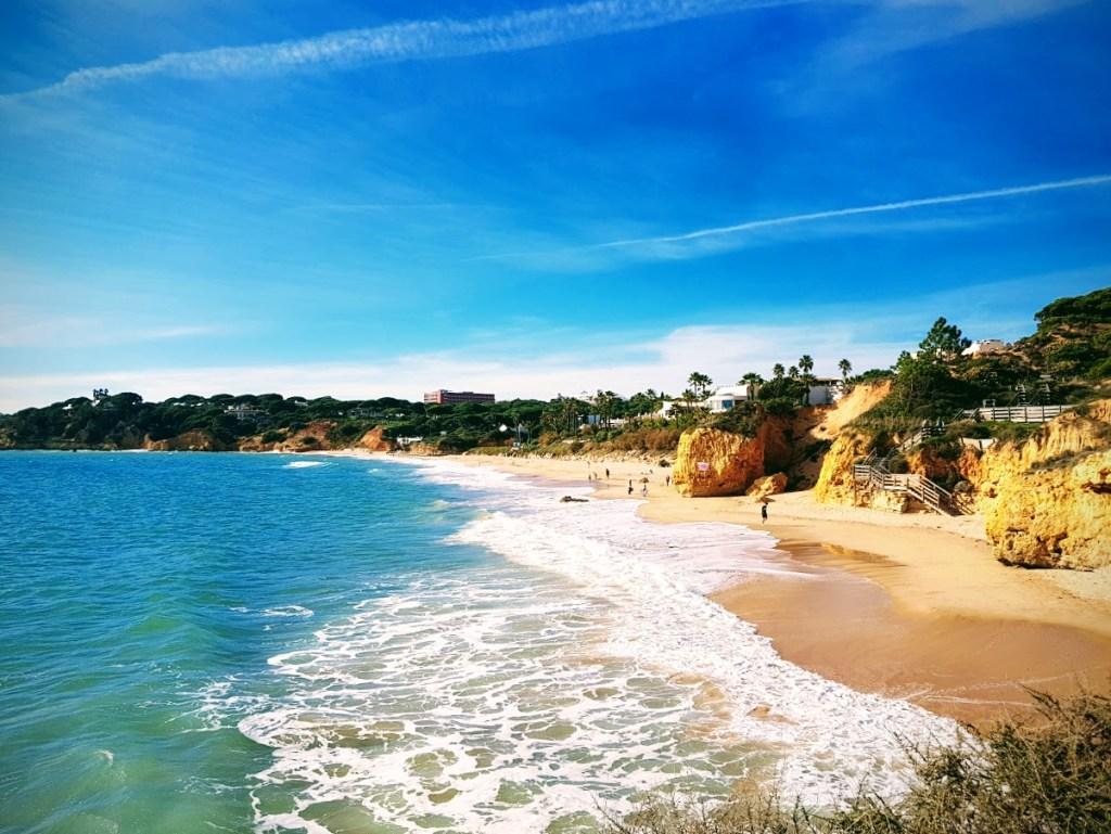 Onnistunut perheloma Algarvessa Olhos de Agua