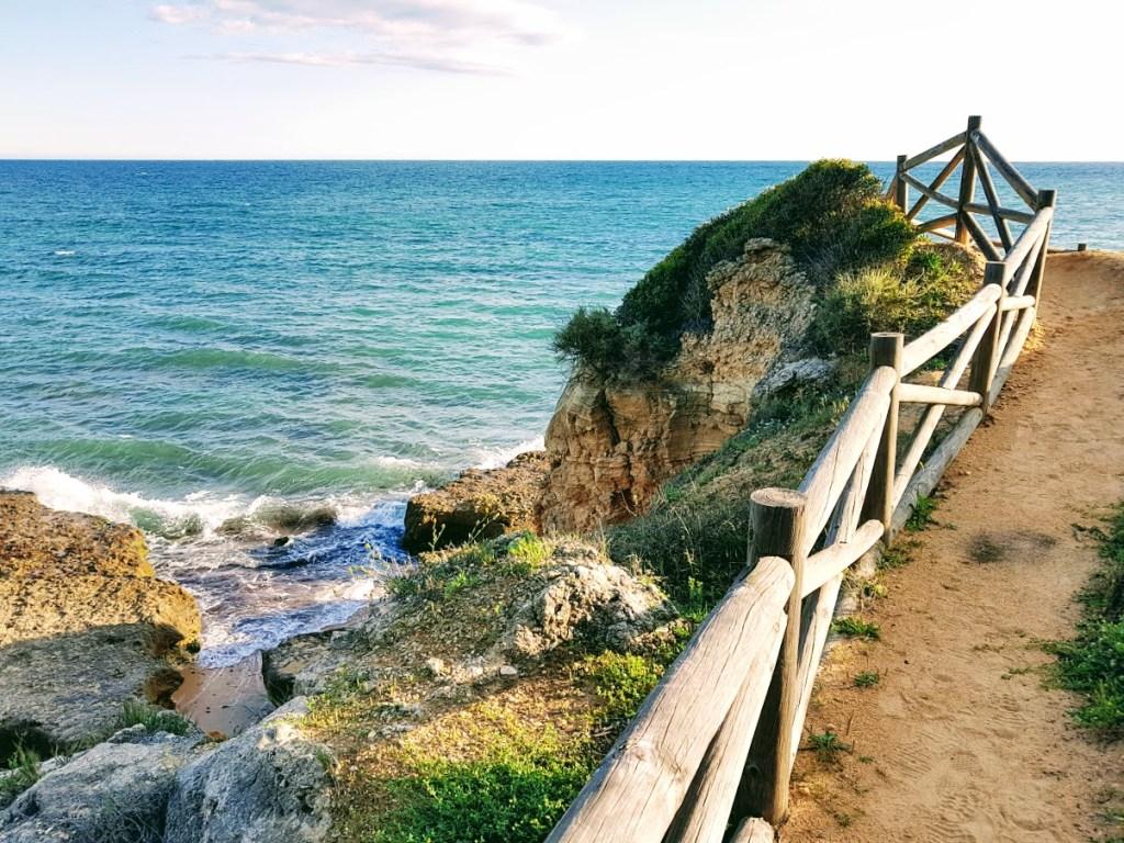 Onnistunut perheloma Algarvessa polku Ourasta Elualialle