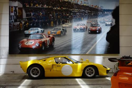 ClassicMotorSales-ViaRETRO-FordGT40DSC04096