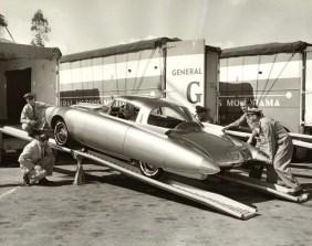 oldsmobile-golden-rocket-dream-car-concept-9