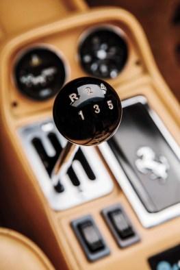 1985-Ferrari-308-GTSi-QV-gear-shift-knob