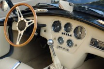 Classic-Cars-Are-There-Advantages-to-Manual-Transmissions
