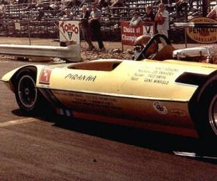 Walt-Stevens-takes-a-ride-in-the-legendary-AMT-Piranha-fueler.-Photo-thanks-to-Walt-Stevens