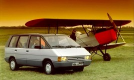 MK1-Renault-Espace-and-aircraft