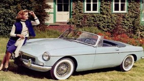 everyday-classic-mgb--the-aspirational-roadster-for-the-masses-136398469072203901-150603121953