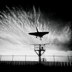 med_the-concorde-landing-at-j_f_k_-international-airport-landing-on-runway-rr13r-31l-september-30_-1989-_-jpg