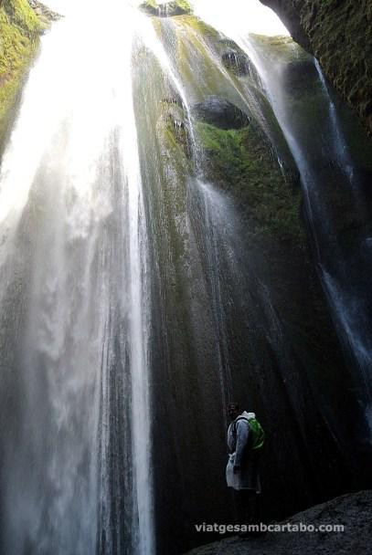 "Una cascada ""amagada"": Gljúfrafoss"