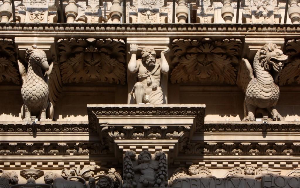 2011-08-24 (ornaments Basilica Santa Croce)