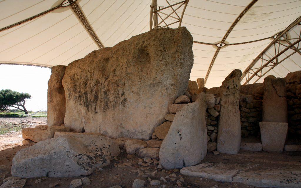 2016-11-22-monolit-hagar-qim