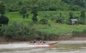 2009-08-16 (speedboat)