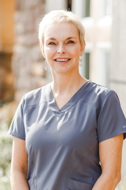 photo of leah aesthetic nurse specialist in auburn