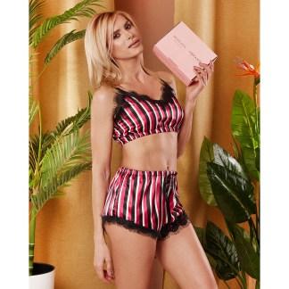 Cauti o Pijama de Dama Moderna? Comanda Acum Pijama Dama Scurta Saten Dantela Neagra Glamour VIBRANTE Livrare Rapida