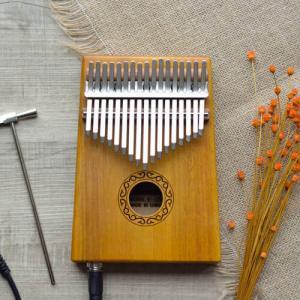 Electrical Kalimba 17 Acacia Classical 02