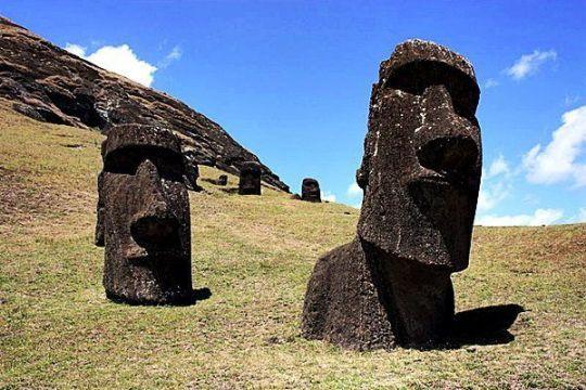 Los gigantescos moais de la Isla de Pascua fueron un enigma durante siglos.