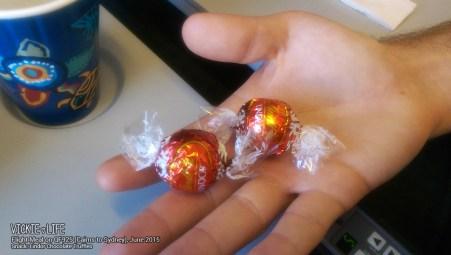 Qantas QF925: Lindor Chocolate Truffles